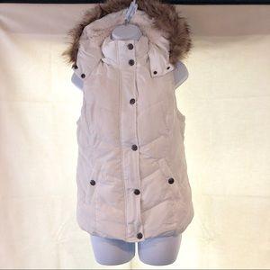 GREEN TEA faux fur, white, size M,  hooded vest